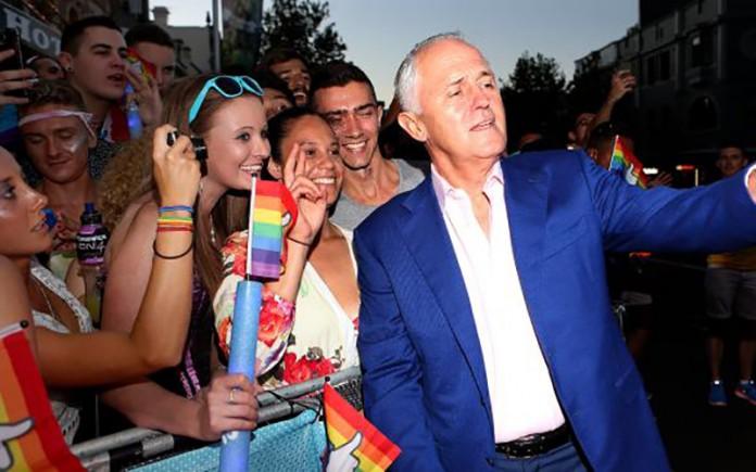 Malcolm Turnbull taking a selfie at Sydney Mardi Gras
