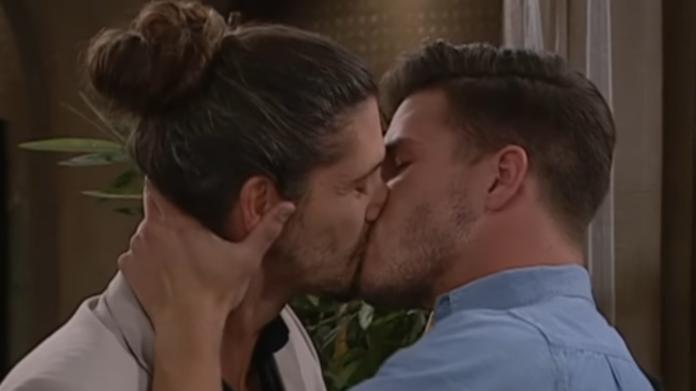 Gay Kiss on 7de Laan in South Africa
