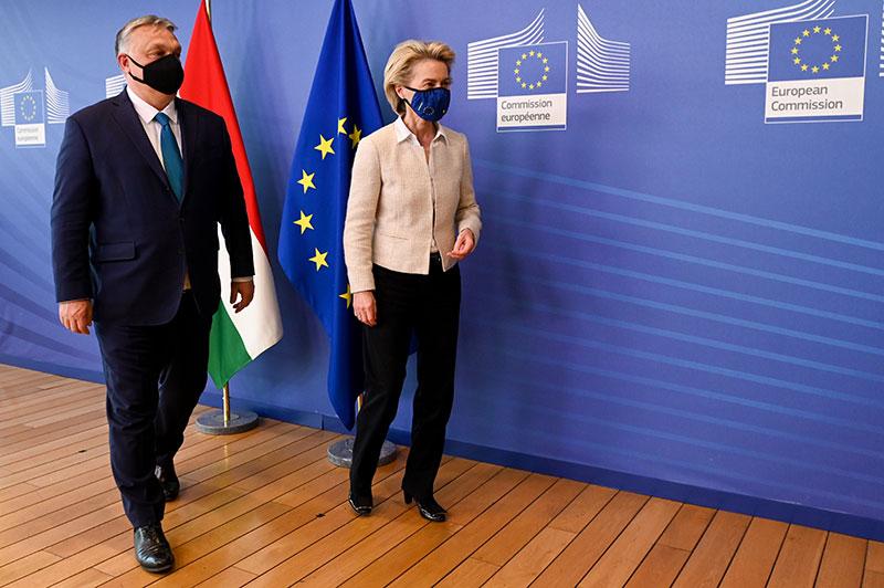 Viktor Orbán, on the left, and Ursula von der Leyen (Image: Etienne Ansotte - European Union)