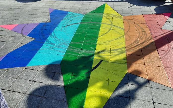 Rainbow star vandalised Photo: Lassi Lähteenmäki